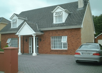 - 4 bedroom house - Opens May to October - 1 Week holiday (Sun-Sun) Haemodialysis provided by Kerry General Hospital